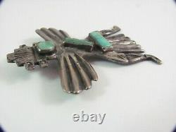 KNIFEWING US ZUNI 1 C. G. WALLACE CAST SILVER TURQUOISE PIN ca 1940