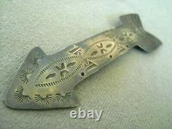 Old Harvey Era Native American Indian Sterling Silver Stamped Arrow Pin / Brooch