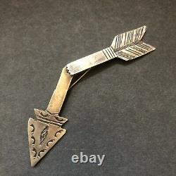 Vintage NAVAJO Sterling Silver BROKEN ARROW Friendship PIN/BROOCH